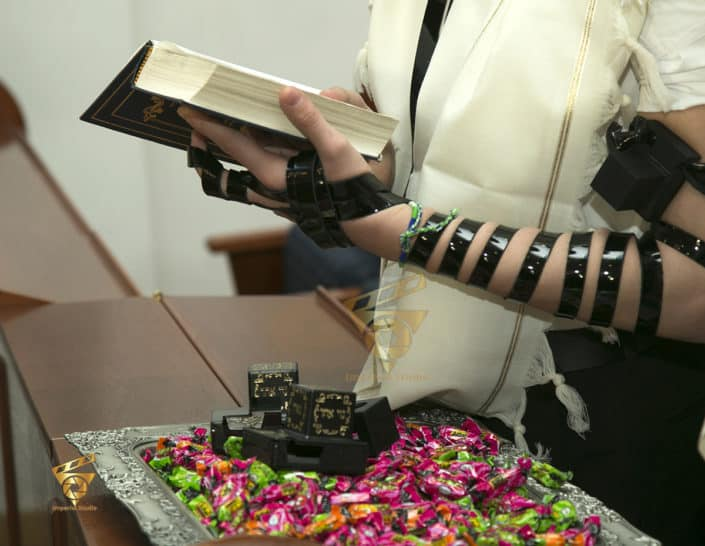 the tefillin strap, Reading The Torah , Bar Mitzvah Photographer