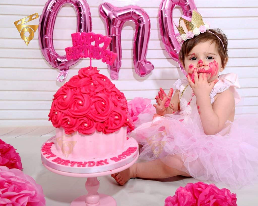 cake smash photographer north finchley, fist birthday photoshoot